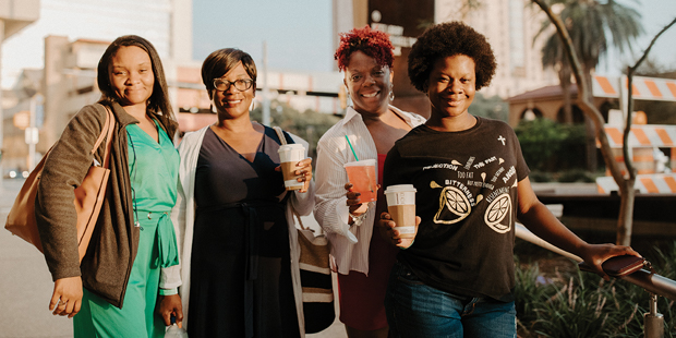 Women with their coffee at WOJ